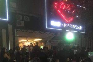 Phát hiện gần 80 'dân chơi' trong quán bar, karaoke vào lúc nửa đêm