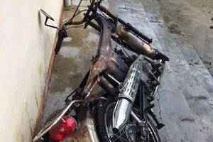 Xe máy nạn nhân cháy trơ khung vì kẻ trộm xe châm thuốc lá cạnh… bình xăng