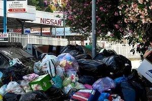 Italy: Thủ đô Rome 2.800 năm tuổi chìm ngập trong rác thải