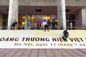 Lý do hủy tổ chức chương trình Tôn vinh Nữ hoàng Thương hiệu Việt Nam ngay trước giờ G