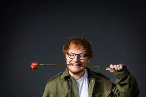 Taylor Swift vượt mặt Beyoncé, Ed Sheeran trở thành ngôi sao kiếm nhiều tiền nhất của năm