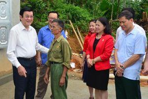 Nguyên Chủ tịch nước Trương Tấn Sang thăm và tặng quà các Cựu chiến binh huyện Bắc Quang, Hà Giang
