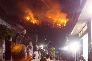 Cháy trên núi Bà Hỏa, hàng trăm người phải di tản