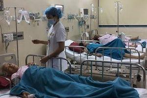 Nhiều bệnh nhân trong vụ ngộ độc tập thể sau tiệc cưới ở Huế đã được xuất viện