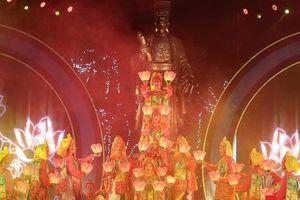 Ấn tượng chương trình nghệ thuật kỷ niệm 20 năm Hà Nội - 'Thành phố Vì hòa bình'