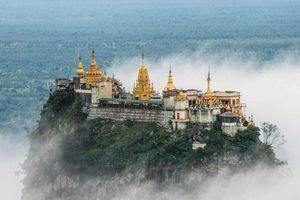 Độc đáo tu viện dát vàng giữa vùng đất mây vờn ở Myanmar