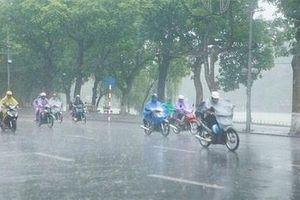 Đầu tuần Bắc Bộ mưa dông, Trung Bộ nắng nóng gay gắt