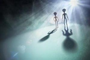 Cực sốc: Người ngoài hành tinh đang âm thầm theo dõi con người?