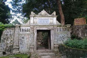 Về chùa Trầm nhớ lại chuyện 30 năm trước đi tìm cây cảnh
