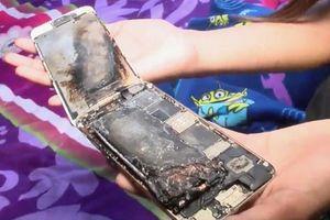 Bé gái 11 tuổi suýt bị thương vì iPhone 6 bốc cháy trên tay