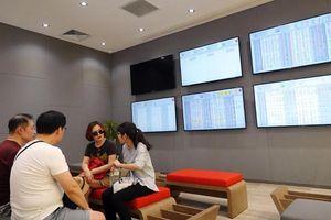 Nhà đầu tư ngoại đổ tiền mua cổ phiếu Việt khi chứng khoán Phố Wall lập đỉnh