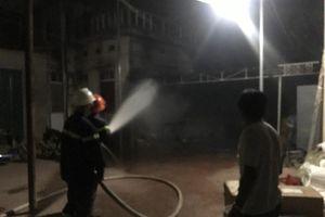 Cháy gian nhà kho bỏ hoang ở Đô Lương
