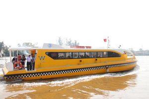 Đề xuất có buýt đường thủy chạy trên sông Hồng: Lãng mạn thật đấy nhưng khó khả thi!