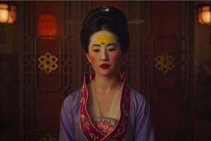 'Mulan' của Disney bị vùi dập ở Trung Quốc: Tôi đoán Mộc Lan phải đi tàu điện ngầm để gia nhập quân đội!