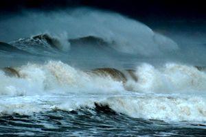 Thời tiết xấu bao phủ một số vùng biển phía Nam