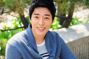 Kang Ji Hwan bị thay vai chính sau tai tiếng cưỡng dâm