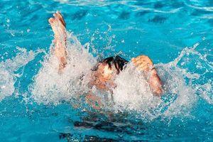 Thanh Hóa: Đi bơi tại bể bơi tư nhân, bé trai 6 tuổi tử vong thương tâm