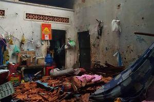Hơn 300 căn nhà bị tốc mái, hư hỏng do lốc xoáy dữ dội ở Long An