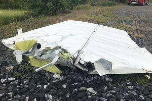 Máy bay chở đội nhảy dù rơi xuống sông, không ai sống sót