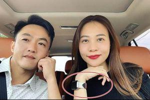 Đàm Thu Trang – vợ sắp cưới của đại gia siêu xe nhưng đồng hồ chỉ có 2 cái, hàng hiệu thì 'lưa thưa'