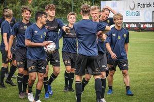 Bức ảnh 'tố cáo' đội bóng mới của Công Phượng kém chuyên nghiệp