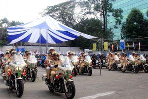 Lực lượng CSGT mạnh tay xử phạt phương tiện gây ùn tắc giao thông