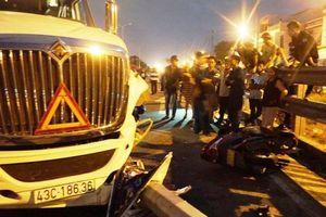 Xe container tông xe chở 4 người cùng gia đình, bé trai 4 tuổi thiệt mạng