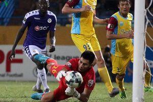 Clip: 5 pha cứu thua xuất thần nhất của vòng 15 V-League 2019