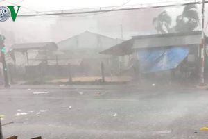 Tiền Giang: Mưa giông lốc làm thiệt hại khoảng 100 căn nhà dân