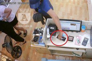 Sơ suất 'chết người' ở các cửa hàng bị kẻ gian trộm cắp (1)