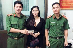 Nữ du khách Thái Lan bỏ quên iPhone trên xe Grab