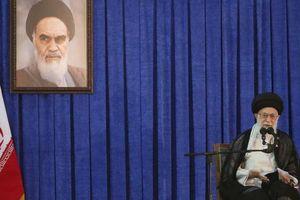 Lãnh tụ Iran thề trả đũa 'cướp biển' Anh