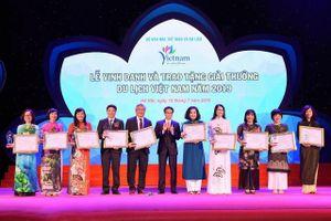 Vinh danh 'Cơ sở đào tạo nguồn nhân lực du lịch tiêu biểu của Việt Nam'