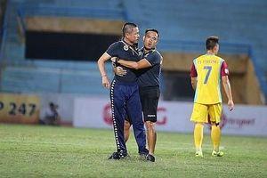 HLV FC Hà Nội Chu Đình Nghiêm bị treo quyền chỉ đạo trước trận gặp HA Gia Lai