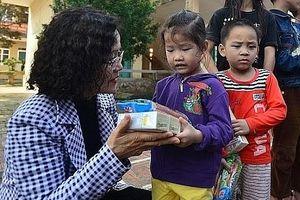 Chuyện từ những tấm lòng thiện nguyện của người Hà Nội - Kỳ 4: Góp những bàn tay sẻ chia, nhận thêm nhiều hơn những ấm áp