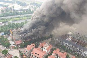 Cháy lớn tại dãy nhà liền kề Thiên đường Bảo Sơn