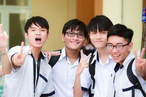 Hà Nội: 97,6% thí sinh đỗ tốt nghiệp, gần 10.000 bài thi đạt 9 điểm trở lên