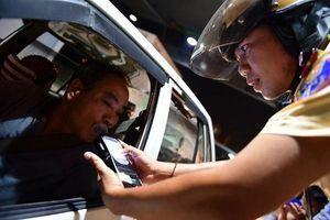 CSGT chốt chặn cửa ngõ Sài Gòn 'săn' ma men giữa đêm