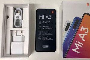 Lộ diện hình ảnh thực tế Mi A3: chip Snapdragon 665, 3 camera sau