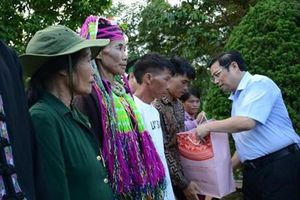 Đoàn công tác Trung ương thăm gia đình chính sách tại Quảng Ninh