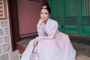 Nhan sắc trong trẻo của hot girl Sam khi diện Hanbok, dạo chơi ở Hàn Quốc