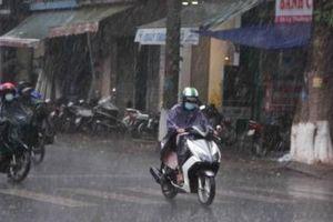 Dự báo thời tiết ngày 16/7: Bắc Bộ mưa dông, Trung Bộ nắng đổ lửa