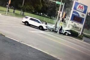 Phóng xe tốc độ cao bỏ chạy, tên cướp ô tô nhận cái kết đắng