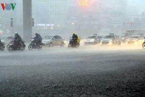 Thời tiết hôm nay: Hà Nội chiều tối mưa dông, nhiệt độ cao nhất 37 độ C