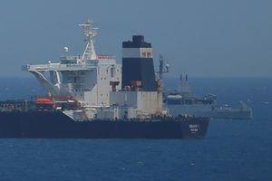 Lo bị tấn công, tàu chở dầu qua Vùng Vịnh phải thuê thêm bảo vệ