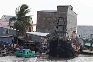 Cháy rụi ba tàu đánh cá ở Kiên Giang