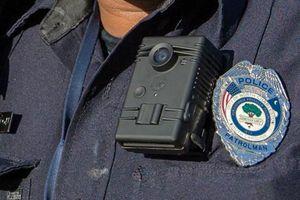 Camera gắn ngực của cảnh sát quốc tế hiện đại cỡ nào?
