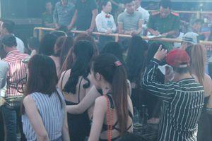 Đóng cửa bar ST Club - Làn Sóng Trẻ vì để hàng trăm khách sử dụng ma túy