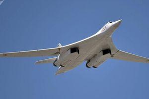 Nga tung video 'Thiên nga trắng' Tu-160 sải cánh trên biển Baltic