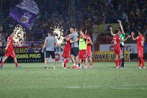 Văn Toàn ghi bàn phút 94, HAGL giật 1 điểm từ tay Hà Nội